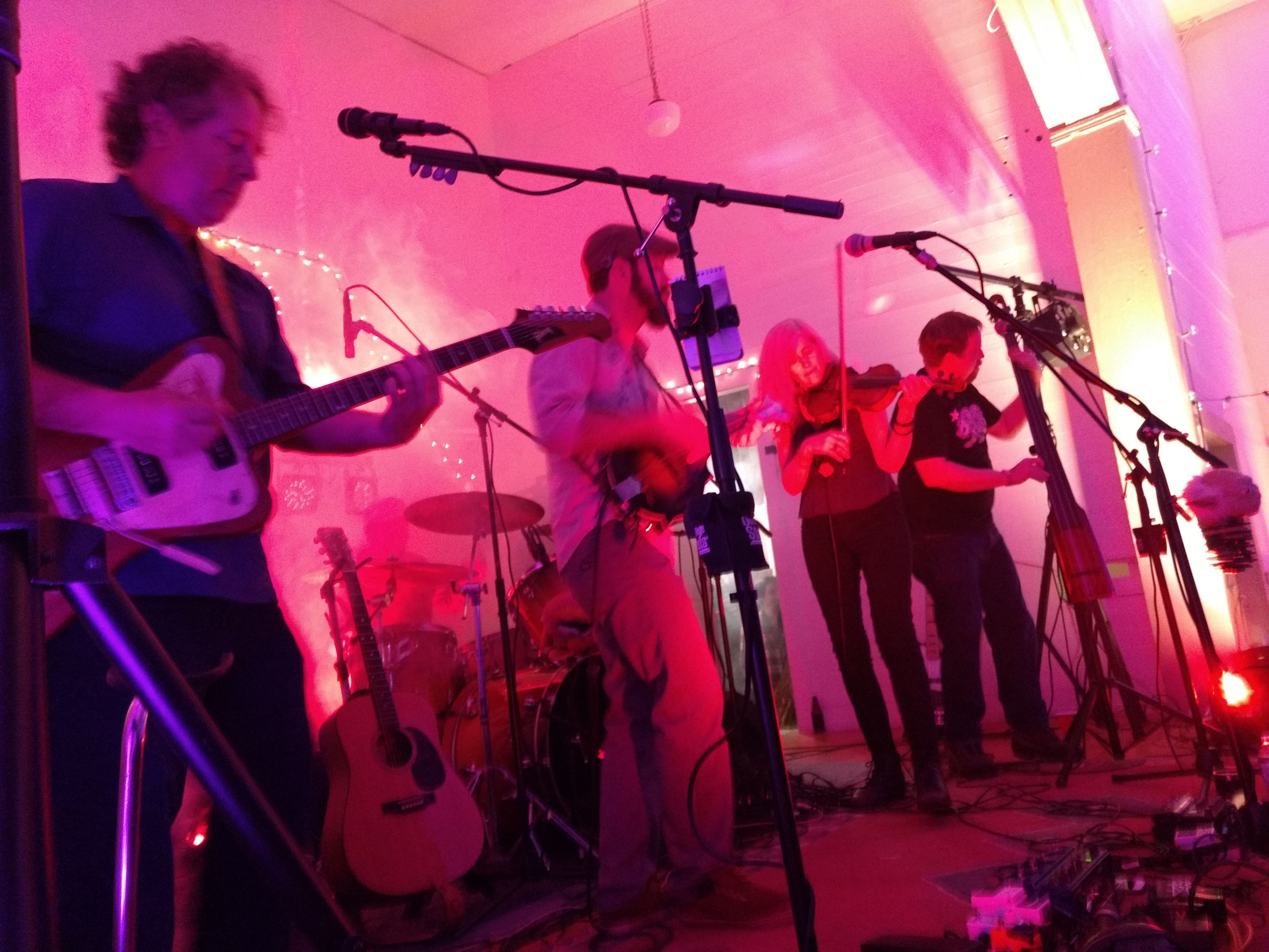 Howlin' At The Divide with KNUF -- IOOF Hall Georgetown (13)