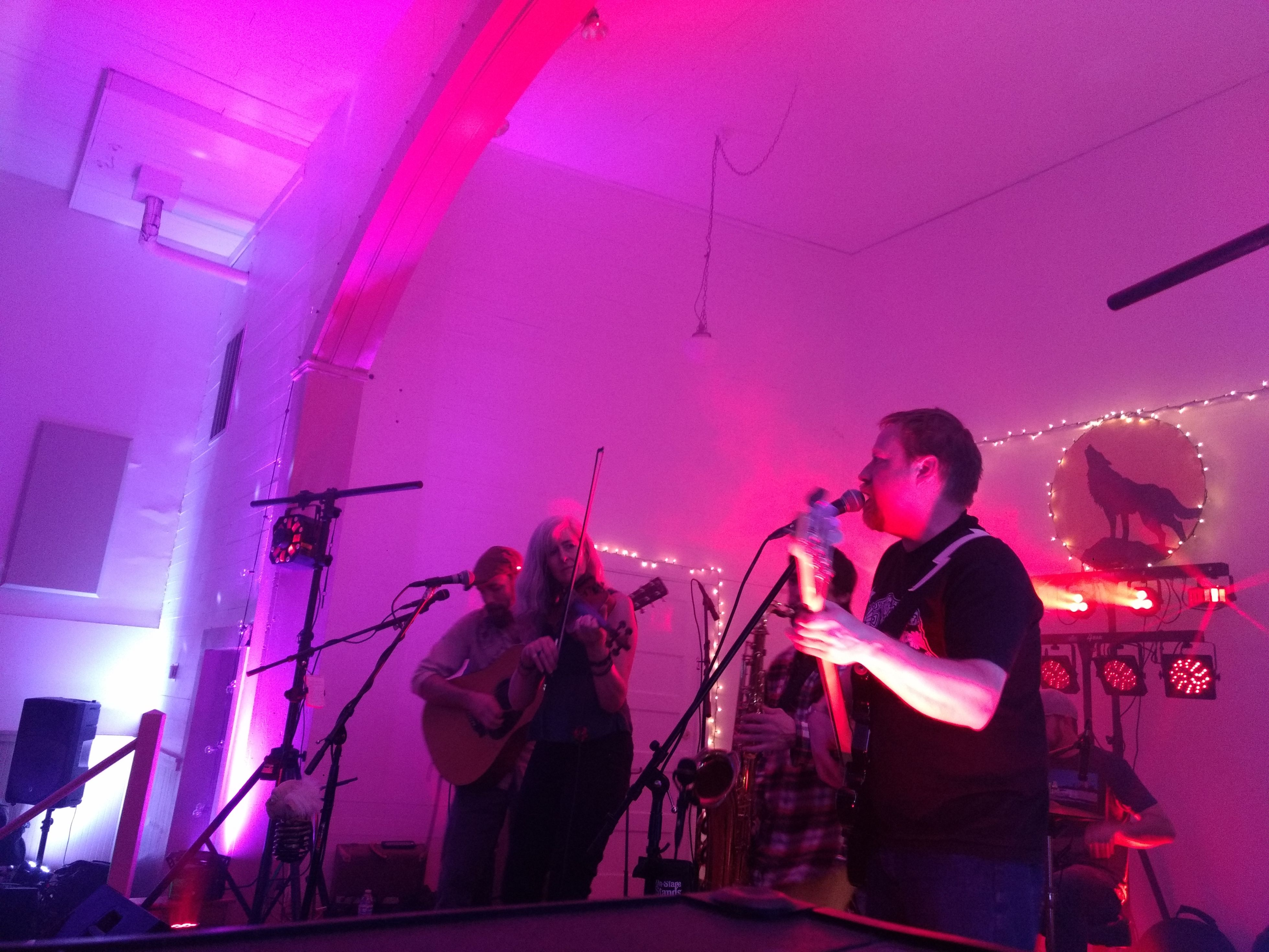 Howlin' At The Divide with KNUF -- IOOF Hall Georgetown (20)