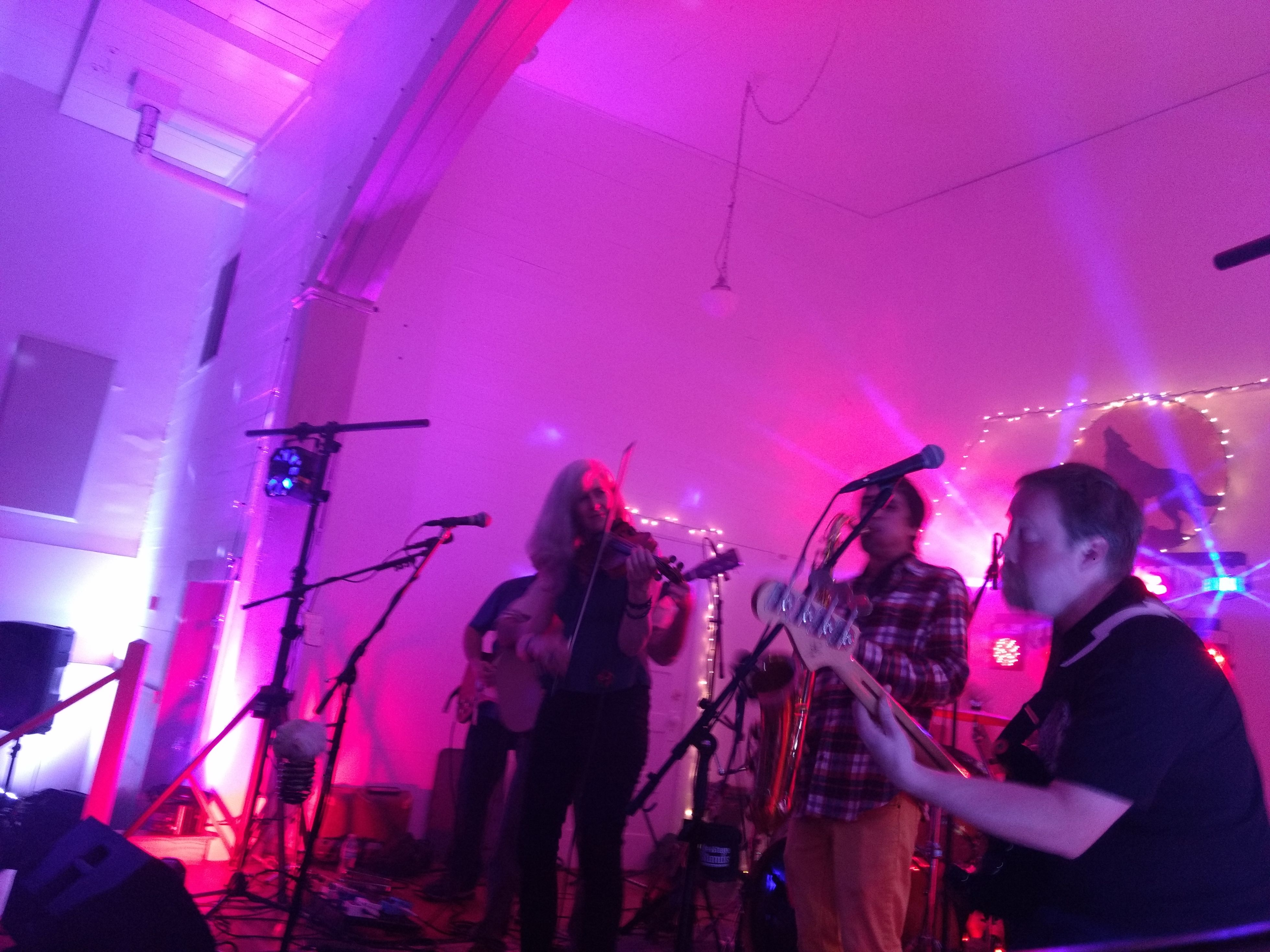 Howlin' At The Divide with KNUF -- IOOF Hall Georgetown (23)